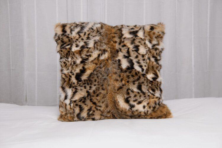 Bobcat Pillow - Pieces