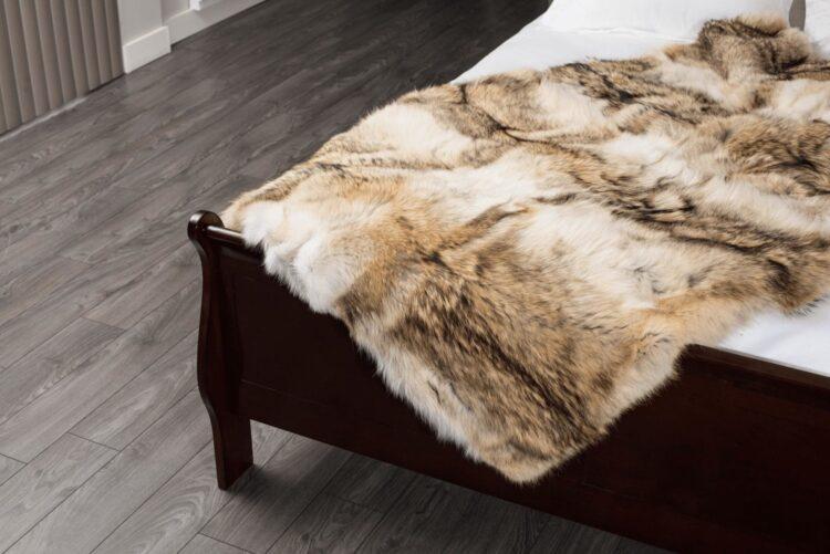 Coyote (CD Colour) Fur Blanket