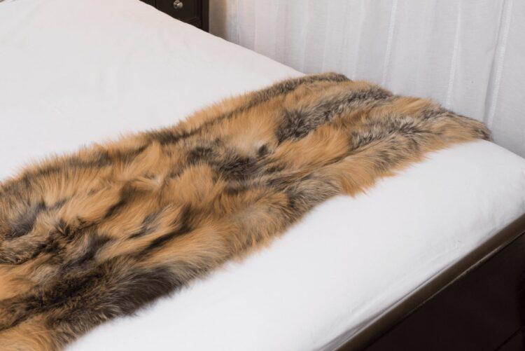 Cross Fox Bed Runner