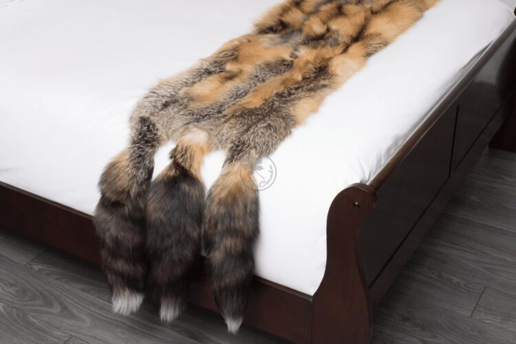 Cross Fox Bed Runner - With Tail